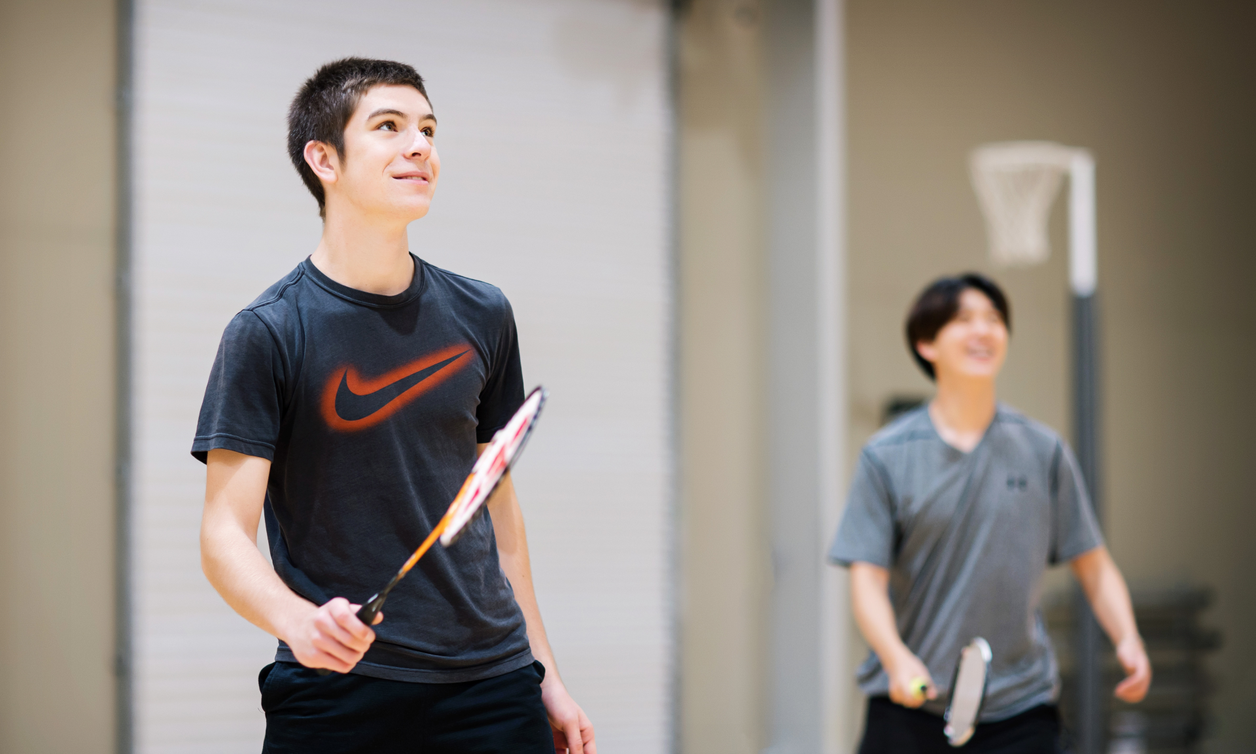 Students play badminton at the Manawatū Rec Centre