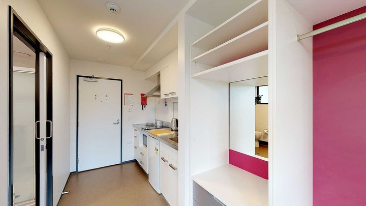 Studio Unit with kitchenette and desk
