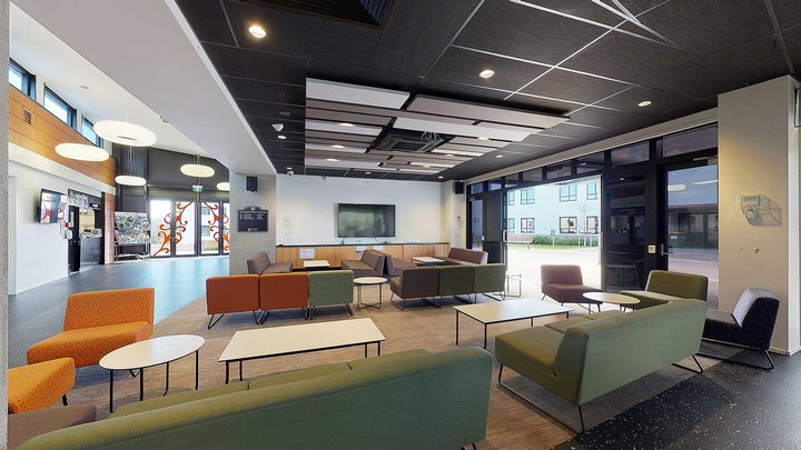 Te Rito's large, airy common area with couches and coffee tables