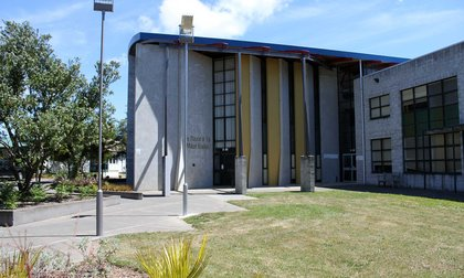 Exterior of Te Pūtahi-a-Toi – The School of Māori Knowledge
